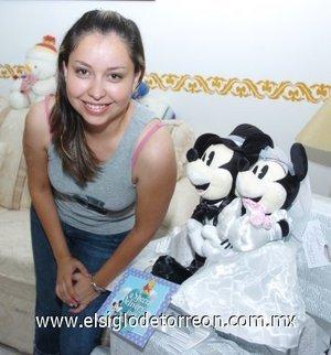 05082007 Con una despedida de soltera fue festejada Alejandrina Quezada y Herrera, por su próximo matrimonio.