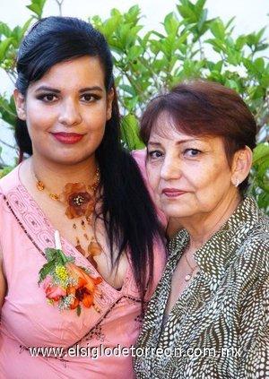 05082007 Karina Bautista Barragan contraerá nupcias con Sergio Martínez Magaña este viernes diez de agosto, y fue festejada por su mamá Desdémona Barragán de Bautista.