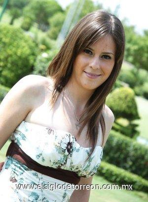 05082007 Margarita Chiffer Torres, contraerá matrimonio con Miguel Ángel Arriola Casas.
