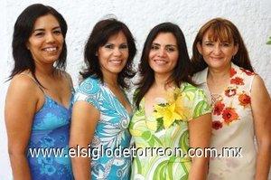 05082007 Marlene Ivonne Cervantes López acompañada de María del Socorro López, Guadalupe Montelongo e Irma Ortiz, anfitrionas de su despedida.