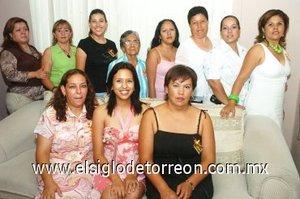 08082007 Rocío Ávila recibió muchas felicitaciones y regalos de parte de amigas y familiares, en la despedida por su próxima boda con José Francisco Martínez Díaz de León, a efectuarse el viernes diez de agosto.