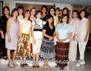 09082007 Lorena Iturbide en la grata compañía de Margarita, Marilú, Gaby, Silvia, Lupita, Lily, Morena, Titina, Alma Rosa, Lucila, Zoyla, Maty y Lorena.