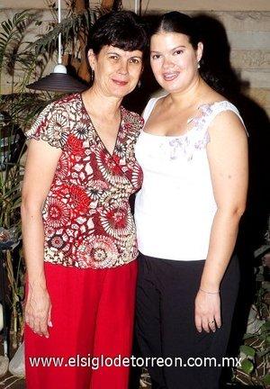 10082007 Blanca y su mamá, Blanca Stelzer de Sánchez.