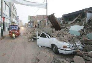 Varias viviendas quedaron destruidas y se teme que haya más víctimas entre los escombros.