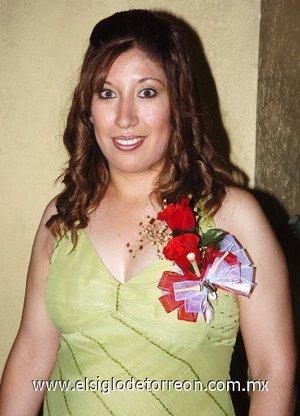 10082007 Priscila Mayela Santos García, en la despedida que le ofrecieron por su boda con David Francisco Villegas Martínez, a celebrarse este sábado.