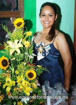 11082007 Norma Lilia de Santiago, en su fiesta pre nupcial.