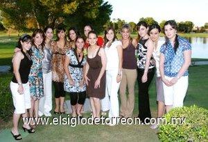 12082007 Bárbara Willy Martínez junto a las invitadas a su despedida de soltera.