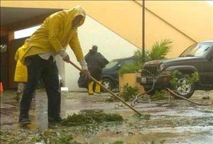 Dean es el primer huracán de la temporada 2007 en el océano Atlántico y el primero en tres décadas en haber golpeado a México con nivel 5 en un mes de agosto.