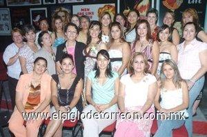 20082007 Liliana pasó agradables momentos en su despedida de soltera.