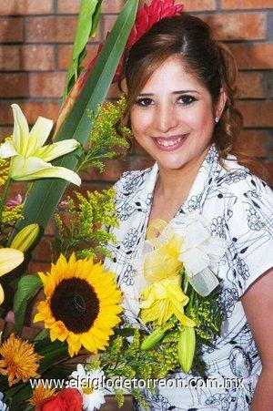18082007_s_Claudia Aurora García Reynoso, en la fiesta pre nupcial que le ofrecieron por su compromiso con Sergio Iván Mireles Rivas.