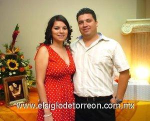18082007_s_Dyana Elizabeth Saavedra González y Carlos Eduardo Katsicas Alvarado, en su última fiesta  pre nupcial.