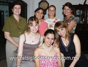 19082007 Ana Cecilia Zavala Villalobos estuvo acompañada de Roberta, Bobbie, Rocío, Kay, Rocío y Maru, en su fiesta pre nupcial