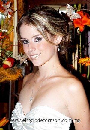 23082007 Ángela Hernández Arena contraerá matrimonio el 27 de octubre con Roberto José Barrios  Hinojosa.