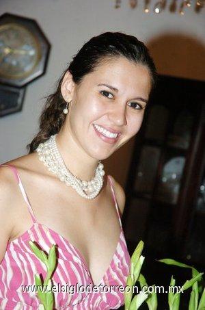 23082007 Ana Cecilia Zavala Villalobos, en la despedida que le ofrecieron con motivo de su compromiso nupcial con Jaime Espinoza Morua.