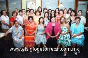 25082007 Aurora Reynoso de García y Piedad del Rosario García Reynoso ofrecieron una despedida para Claudia García Reynoso, a la que invitaron a familiares y amigas.