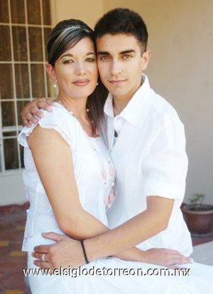 26082007 Stephanie Lafayed y Roberto García.
