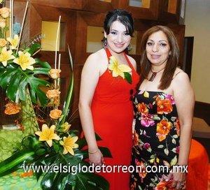 24082007 Laura Elena Flores Castillo junto a Luisa Gabriela Martínez de López.