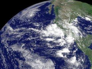 """Por su parte, el Servicio Meteorológico Nacional (SMN), informó que """"Henriette"""" provocará cielo medio nublado a nublado con lluvia intensa, actividad eléctrica y granizo en los estados del occidente, noroeste y centro del país."""