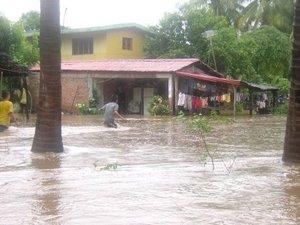 Henriette ha causado daños en carreteras, desbordamientos de ríos, inundaciones y cientos de personas desalojadas.