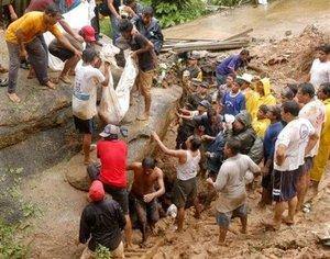 """Las lluvias causadas por """"Henriette"""" ha afectado el Pacífico, el centro y norte del país, provocando deslaves con saldo de cuatro muertos y tres heridos."""