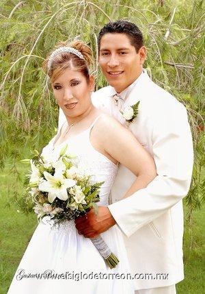 Ing. David Francisco Villegas Martínez y Lic. Priscila Mayela Santos García contrajeron matrimonio en  la parroquia de San Judas Tadeo, el sábado 11 de agosto de 2007.