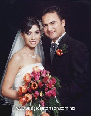 Sr. Juan Carlos Robles Carrillo y Srita. Diana Cristina Chávez Castellanos  recibieron la bendición de Dios en la parroquia Los Ángeles, el sábado 28 de julio de 2007.  <p> <i>Chávez de Anda Fotografía.</i>