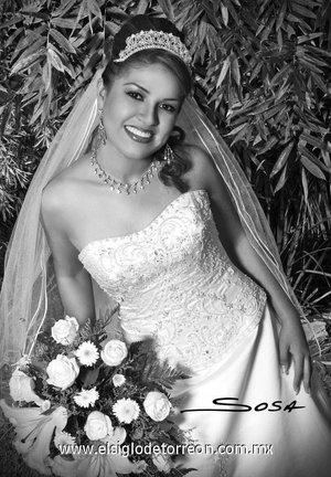 Srita. Isabel Rodríguez Salaises contrajo matrimonio con el Sr. Luis Gerardo Molina Reyes. <p> <i>Studio Sosa.</i>