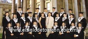 02092007 Alumnos egresados que presentaron exitosamente su examen profesional ante sinodales y compañeros el pasado cuatro de agosto de 2007.