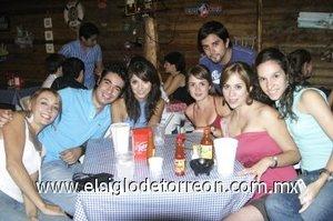 02092007 María Almodóvar, Paco, Judith Díaz, Valeria Gutiérrez, Arturo de la Vega, Laurencia Zavala y Grace Gómez-Junco.