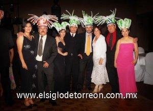09092007 Un excelente ambiente se vivió en la recepción nupcial de Enrique Luna y Bertha Adriana Enríquez, donde los invitados disfrutaron de una gran noche.