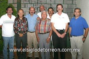 11092007 Armando Martos, Román Torres, Jesús Robles, José Luis  Robles, Jorge Martínez, Rafael Barraza, José González con su buen amigo Miguel Sánchez.