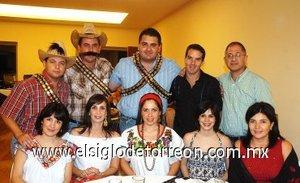 16092007 Ana Laura y Jorge Garza, Omar y Liliana Giacomán, Sergio y Aleiandra Necochea, Beto y Laurencia Herrera, Ali y Laura El Jeryes.