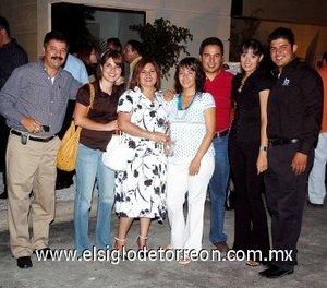 16092007 José Luis Trasfí Anaya, Jéssica Trasfí, Mary Castro de Trasfí, Marcela Sánchez de Trasfí, José Luis Trasfí, Liliana Chávez y Carlos Trasfí.