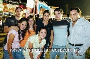 16092007 Nonis Duéñez, Marlene Valencia, Andrea Diez, Ángela Diez, Eneko Belausteguigoitia, Hasan Hamdan y Christoper Sánchez Viesca.