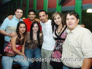 16092007 Víctor Marín, Diana Ibarra, Felipe Villalobos, Bety Flores, Chuy Soto, Jésica Avelar y Roberto Díaz.