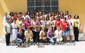 20092007 Integrantes de la generación 1978-1982 de Educación Preescolar de la Escuela Normal Lázaro Cárdenas festejaron 25 años de labor magisterial, con una alegre reunión del recuerdo.