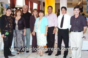30092007 Manuel Saucedo, Magdalena Reyes, Manuel Quiroz, Diane López, Paquita Sika, Jesús Alonso Trujillo, Miguel Ángel y Guillermo González.