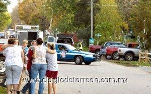El barrio donde han ocurrido los hechos ha sido acordonado por las fuerzas de seguridad.