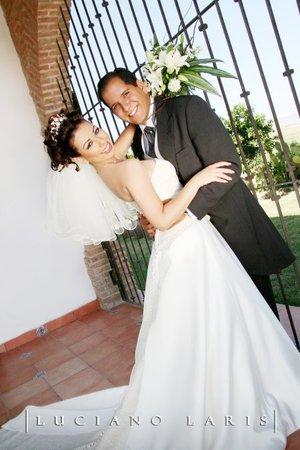 Sr. Carlos Gerardo Rodríguez Álvarez y Srita. Rommy Navarro Díaz contrajeron matrimonio en la parroquia Los Ángeles, el sábado 18 de agosto de 2007.  <p> <i>Estudio Luciano Laris.</i>