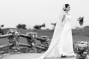 Srita. Ana Cristina de la Peña Morales, el día de su boda con el Sr. Isaías Millán Simental.- <p> <i>Carlos Maqueda.</i>