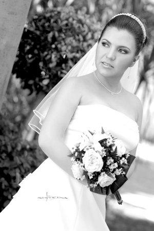 Srita. Jenny Barbosa de Lara unió su vida en sagrado matrimonio a la del M.A.E. Braulio Antonio Cázares Fernández. <p> <i>Carlos Maqueda.</i>
