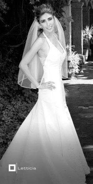 Srita. Mayela Barajas Trigo, el día de su boda con el señor Raúl Martínez Mojica. <p> <i>Estudio Letticia.</i>