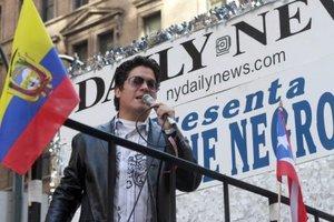 El cantante puertorriqueño Frankie Negrón participó en el desfile de la hispanidad.