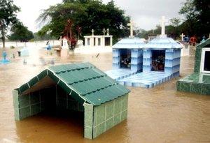 El Ejército mexicano puso en marcha un plan de atención para las familias cuyas viviendas han quedado inundadas