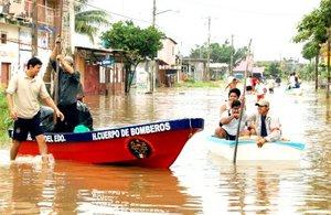 Los puertos tabasqueños de Dos Bocas y Frontera han sido cerrados a la navegación, mientras que las cuatro presas hidroeléctricas del vecino estado de Chiapas aún cuentan con capacidad para recibir más lluvia.