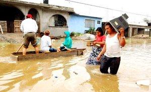 Las autoridades informaron de que 400 mil personas habían sido damnificadas, pero horas más tarde subieron la cifra a 700 mil.