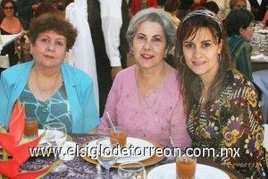 01112007 Aurora Echalaz, Nora de Porras y Nora de Máynez.
