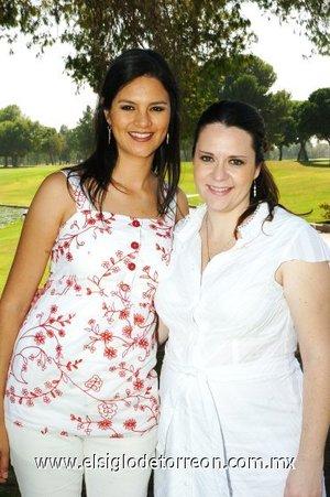 01112007 Mayra de Prieto y Gaby de Torres.