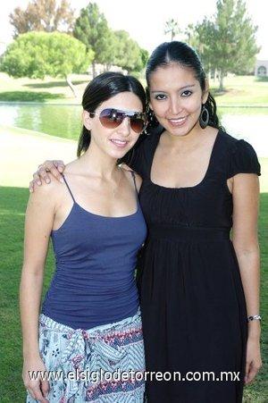03112007 Paola Garza y Citlali Morales de Méndez.
