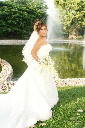 Lic. en Enf. Blanca Verónica Pérez Reza el día de su boda con el Sr. Carlos Bell. <p> <i>Estudio Aldaba & Diane.</i>